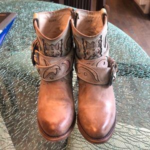 Freebird Tash boots